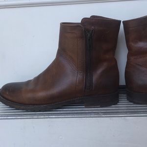 Leather FRYE booties WOMENS size 9!!
